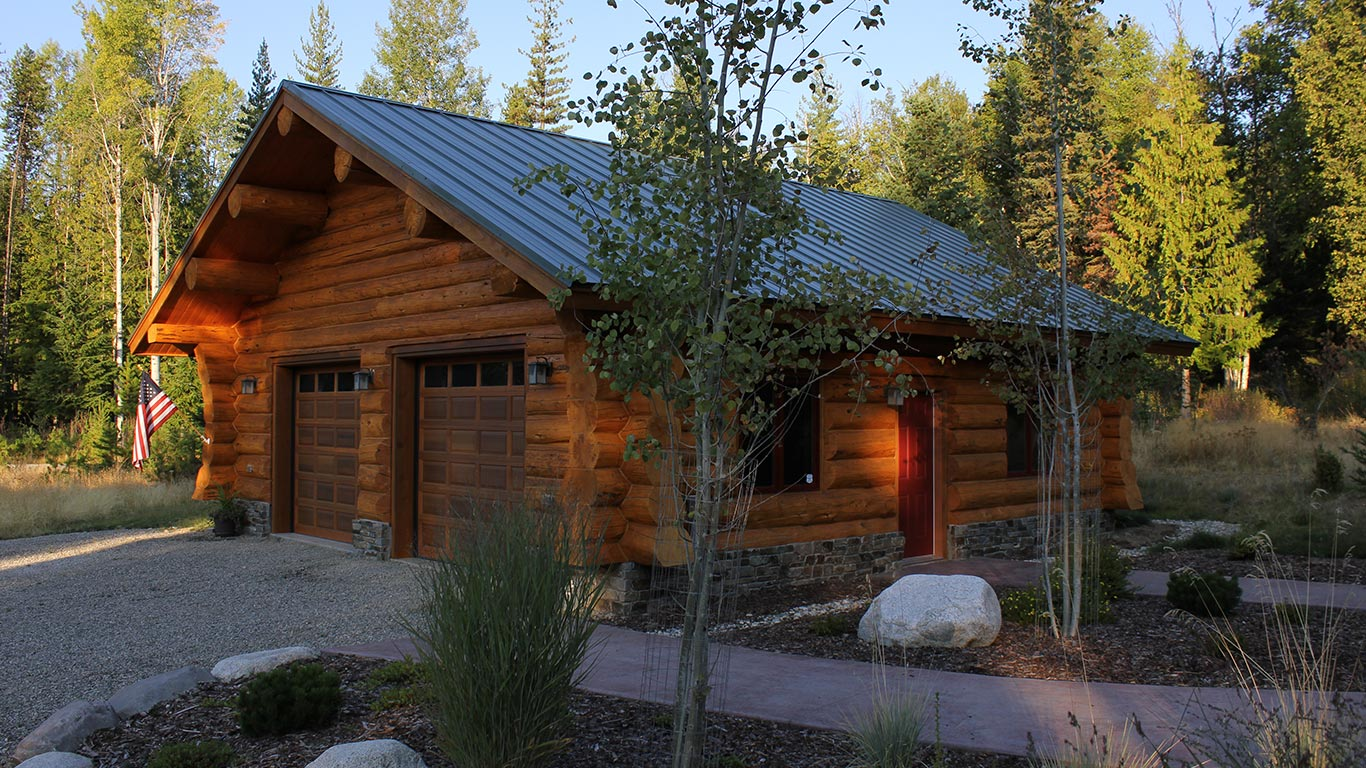Garages and Barns - Meadowlark Log Homes