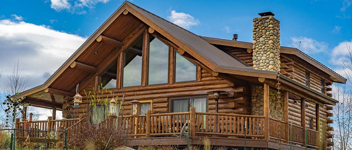 Montana chalet meadowlark log homes for Chalet homes